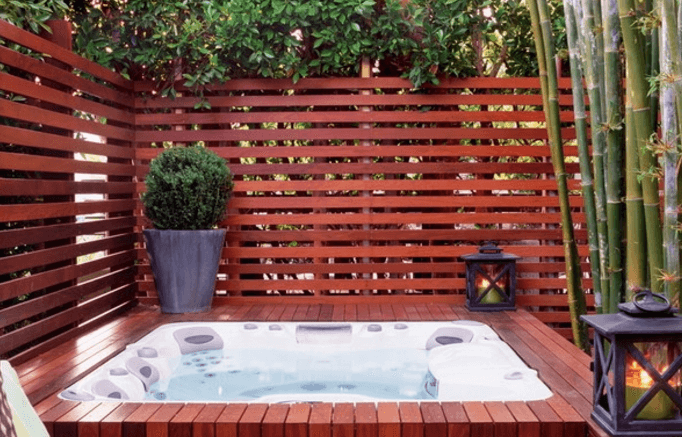 design a privacy fence to go around your hot tub - Deck Design Ideas